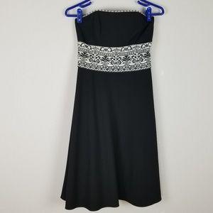 White House Black Market strapless dress sz 2